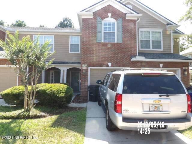 13285 Stone Pond Dr, Jacksonville, FL 32224 (MLS #1131789) :: The Hanley Home Team