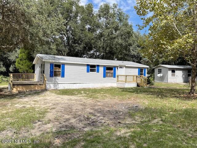 120 Milree St, Interlachen, FL 32148 (MLS #1133118) :: The Hanley Home Team