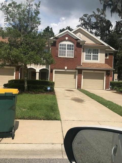 8439 Twisted Vine Ct, Jacksonville, FL 32216 (MLS #1134227) :: The Huffaker Group