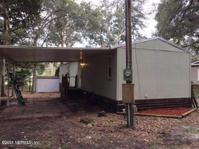 111 Holly St, Interlachen, FL 32148 (MLS #1137018) :: Berkshire Hathaway HomeServices Chaplin Williams Realty
