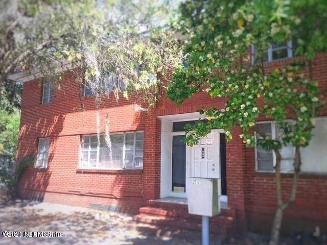 2117 Spring Park Rd #4, Jacksonville, FL 32207 (MLS #1137064) :: Endless Summer Realty