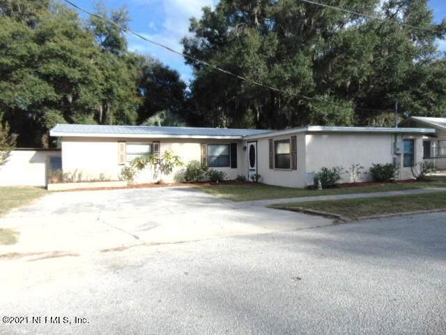 803 18TH St, Palatka, FL 32177 (MLS #1137795) :: The Hanley Home Team