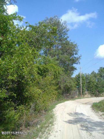 111 Robin Rd, Palatka, FL 32177 (MLS #711772) :: EXIT Real Estate Gallery