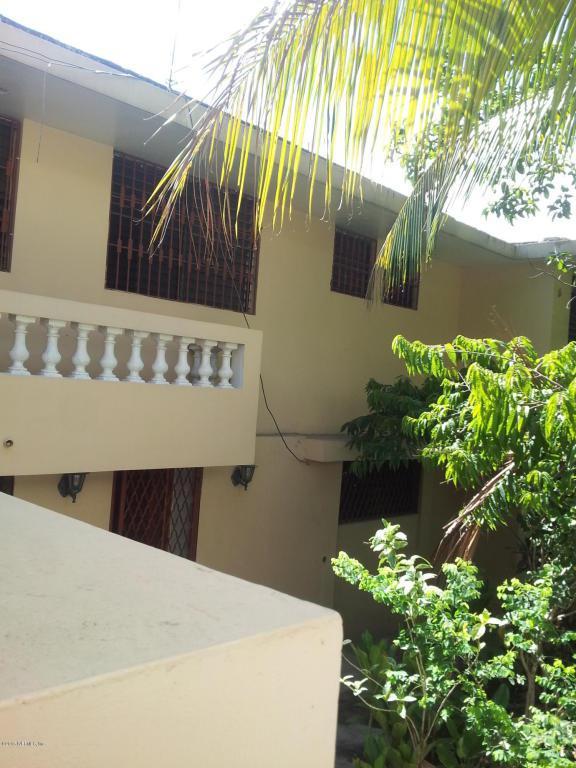 5 Rue Pourpier, Delmas 56, Port-Au-Prince, FL 00005 (MLS #799588) :: The Hanley Home Team