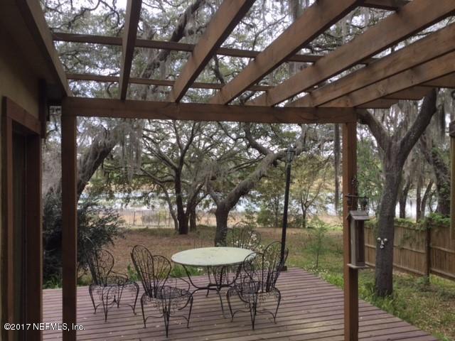 219 N Cooper Lake Dr, Interlachen, FL 32148 (MLS #871601) :: EXIT Real Estate Gallery