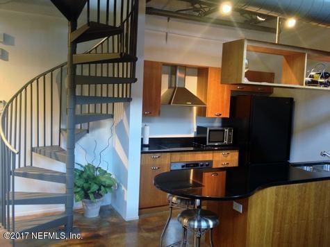 1050 Hendricks Ave #304, Jacksonville, FL 32207 (MLS #910466) :: Sieva Realty