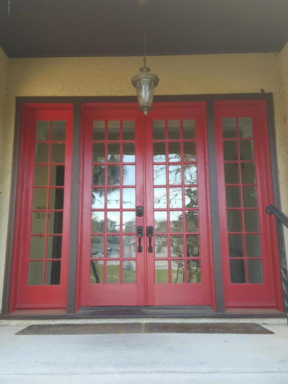214 St Johns Ave #202, GREEN COVE SPRINGS, FL 32043 (MLS #911083) :: EXIT Real Estate Gallery