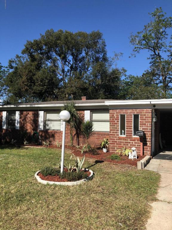 5733 N Lake Lucina Dr, Jacksonville, FL 32211 (MLS #911190) :: EXIT Real Estate Gallery