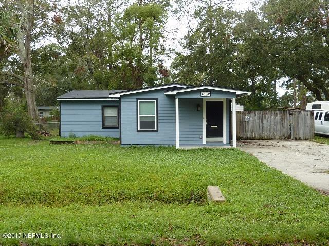 1862 Burkholder Cir W, Jacksonville, FL 32216 (MLS #911560) :: The Hanley Home Team