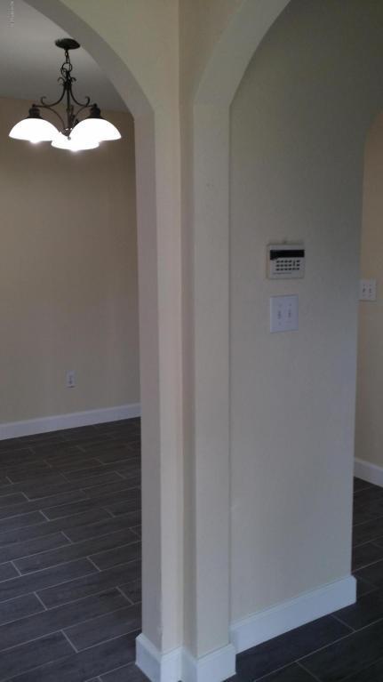 10075 Gate Pkwy #210, Jacksonville, FL 32246 (MLS #914944) :: Pepine Realty