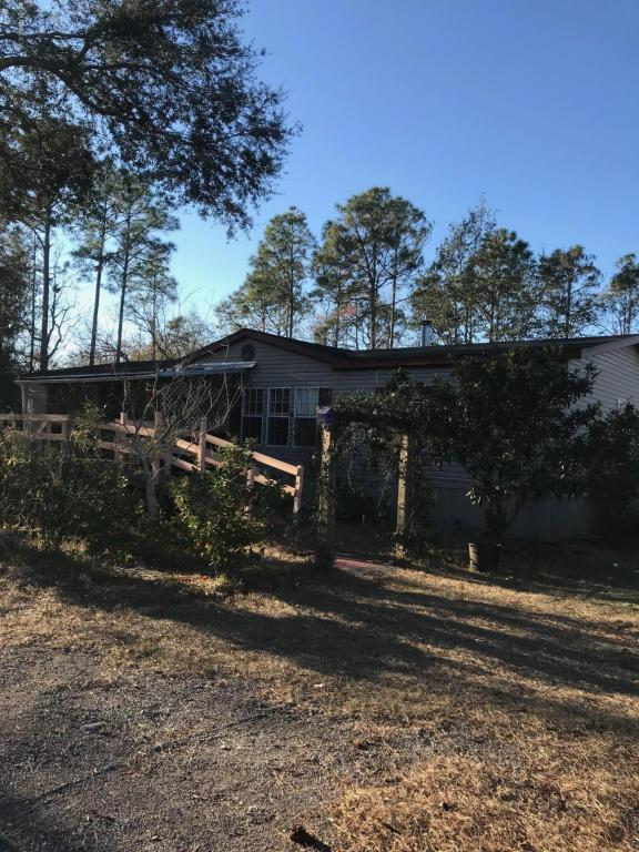 85109 Theresa Rd, Yulee, FL 32097 (MLS #916523) :: EXIT Real Estate Gallery