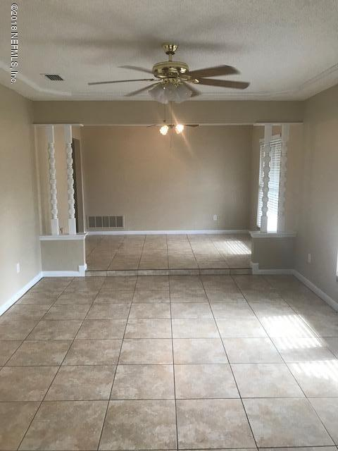 1563 Loumat Ct, Orange Park, FL 32073 (MLS #917018) :: EXIT Real Estate Gallery