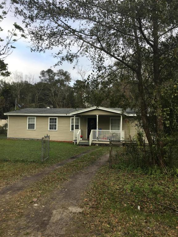 9631 Ronnie St, Jacksonville, FL 32208 (MLS #918438) :: EXIT Real Estate Gallery