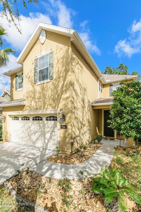 744 Briar View Dr, Orange Park, FL 32065 (MLS #922381) :: The Hanley Home Team