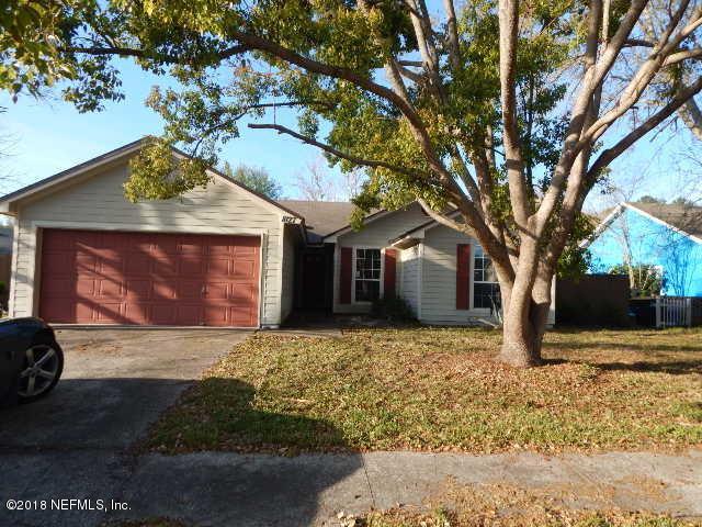 8127 Cumberland Gap Trl N, Jacksonville, FL 32244 (MLS #926762) :: Perkins Realty