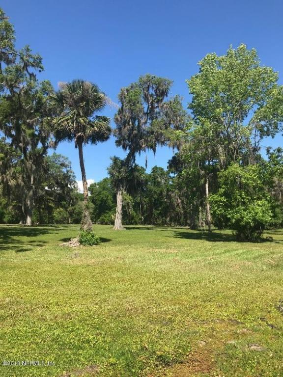 119 William Bartram Dr, Crescent City, FL 32112 (MLS #929600) :: CenterBeam Real Estate