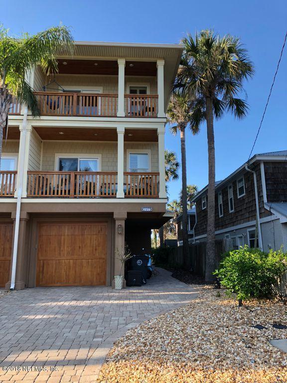 307 9TH St, Atlantic Beach, FL 32233 (MLS #930289) :: RE/MAX WaterMarke