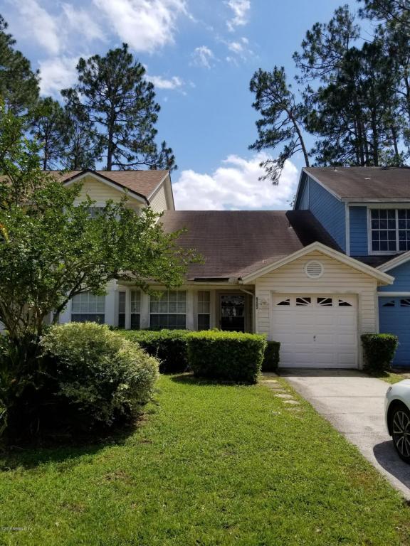8202 Dunbarton Ct, Jacksonville, FL 32244 (MLS #939442) :: The Hanley Home Team