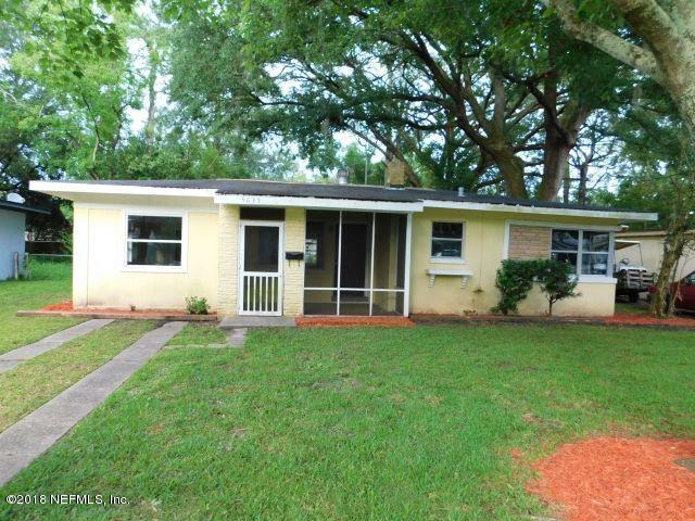 5635 Orangewood Rd, Jacksonville, FL 32207 (MLS #941597) :: Perkins Realty