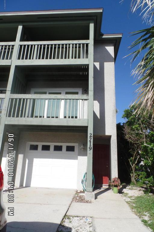2219 1ST St S, Jacksonville Beach, FL 32250 (MLS #942354) :: EXIT Real Estate Gallery