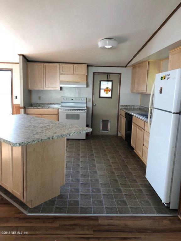 226 Clearwater Rd, Satsuma, FL 32189 (MLS #949112) :: Memory Hopkins Real Estate
