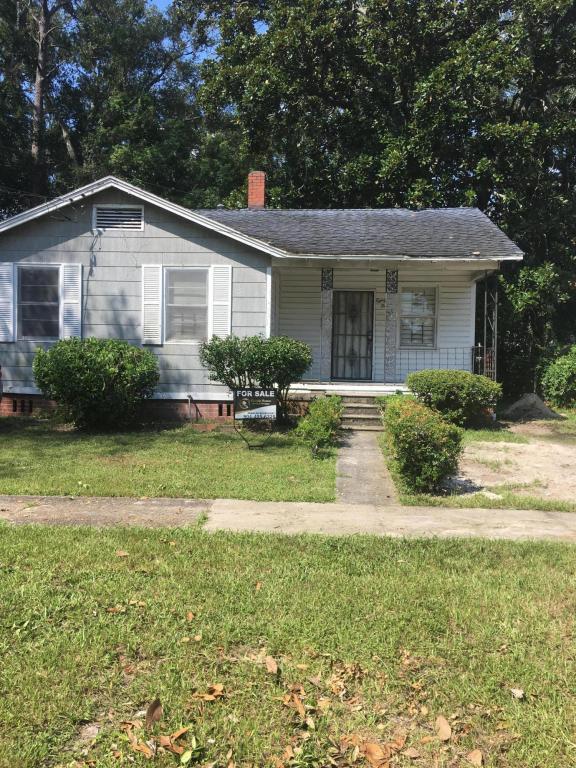 8150 Paul Jones Dr, Jacksonville, FL 32208 (MLS #952357) :: The Hanley Home Team