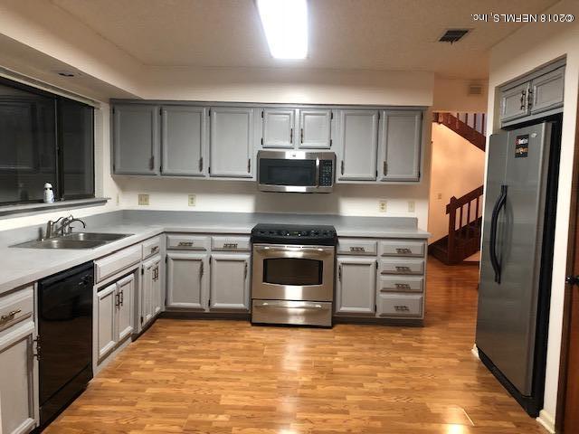 3171 Misty Creek Ln, Jacksonville, FL 32216 (MLS #964559) :: Florida Homes Realty & Mortgage