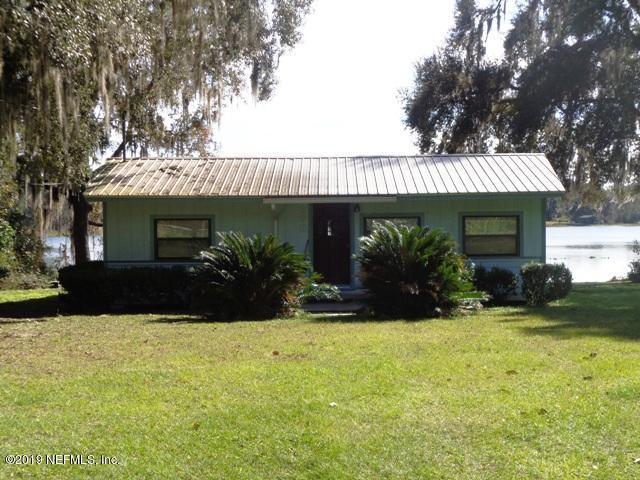 808 Lake Shore Ter, Interlachen, FL 32148 (MLS #973705) :: Berkshire Hathaway HomeServices Chaplin Williams Realty