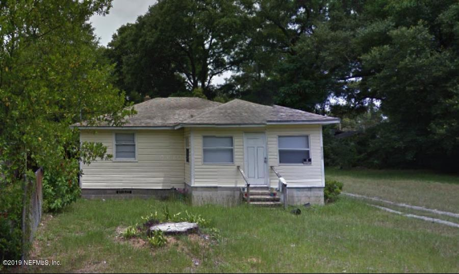 1039 Kenmore St - Photo 1