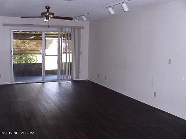 1237 The Grove Rd, Orange Park, FL 32073 (MLS #987687) :: The Hanley Home Team