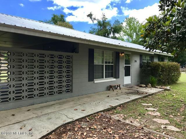 2718 Edgemoor St, Palatka, FL 32177 (MLS #992160) :: The Hanley Home Team