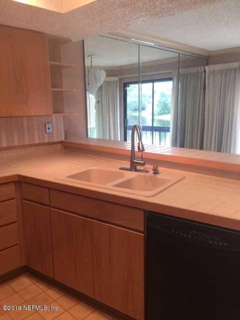 6149 Lake Tahoe Dr #6149, Jacksonville, FL 32256 (MLS #999707) :: Berkshire Hathaway HomeServices Chaplin Williams Realty