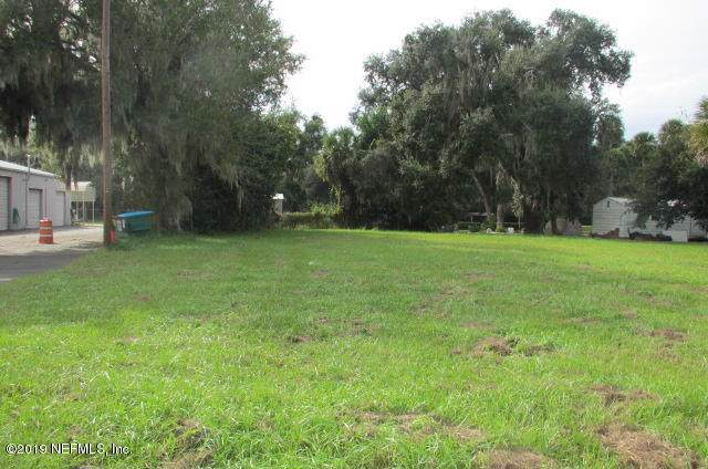 217 N Summit St, Crescent City, FL 32112 (MLS #1019358) :: Homes By Sam & Tanya