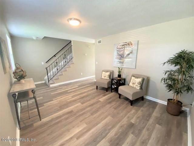 8868 Sandusky Ave S, Jacksonville, FL 32216 (MLS #1064720) :: Memory Hopkins Real Estate