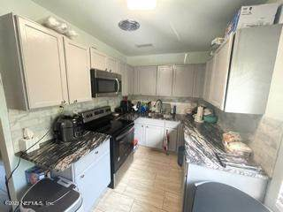 2371 Dolphin Ave, Jacksonville, FL 32218 (MLS #1113181) :: The Newcomer Group