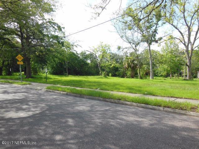 1102 Grothe St, Jacksonville, FL 32209 (MLS #889080) :: RE/MAX WaterMarke