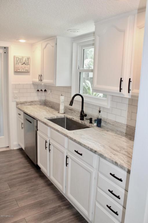 1206 16TH St N, Jacksonville Beach, FL 32250 (MLS #946578) :: EXIT Real Estate Gallery