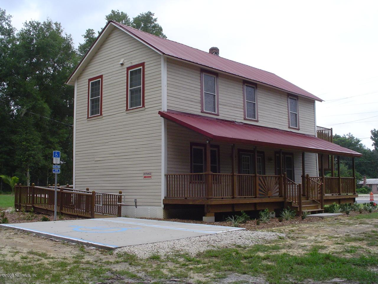 1023 State Road 20 - Photo 1