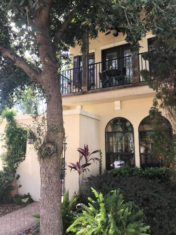 8852 Amalfi Court, Jacksonville, FL 32217 (MLS #912321) :: EXIT Real Estate Gallery