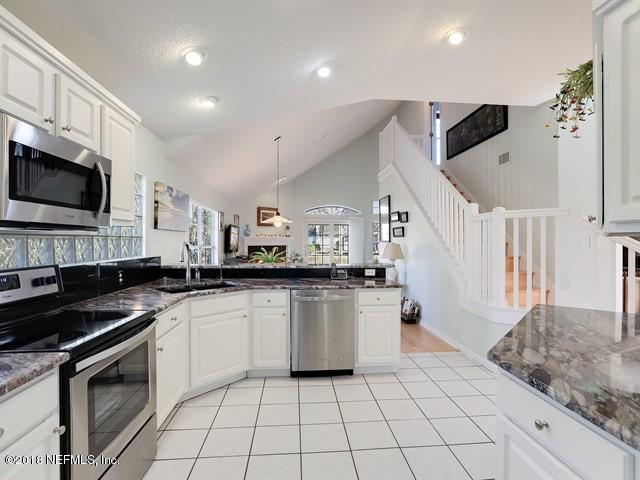 3348 Whippoorwill Ct, Jacksonville Beach, FL 32250 (MLS #918939) :: EXIT Real Estate Gallery
