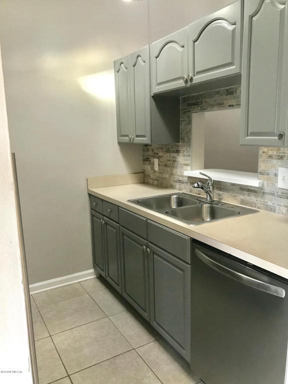 1353 Ellis Trace Dr W, Jacksonville, FL 32205 (MLS #921580) :: EXIT Real Estate Gallery