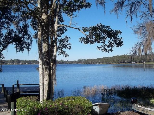 101 Star Lake Dr, Hawthorne, FL 32640 (MLS #807671) :: RE/MAX WaterMarke