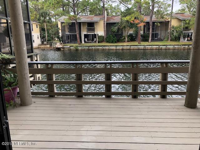 7817 La Sierra Ct, Jacksonville, FL 32256 (MLS #963282) :: Memory Hopkins Real Estate