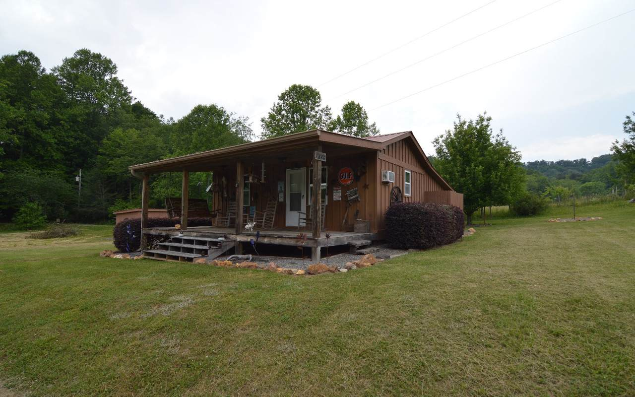 1444 Lawrence Smith Road - Photo 1