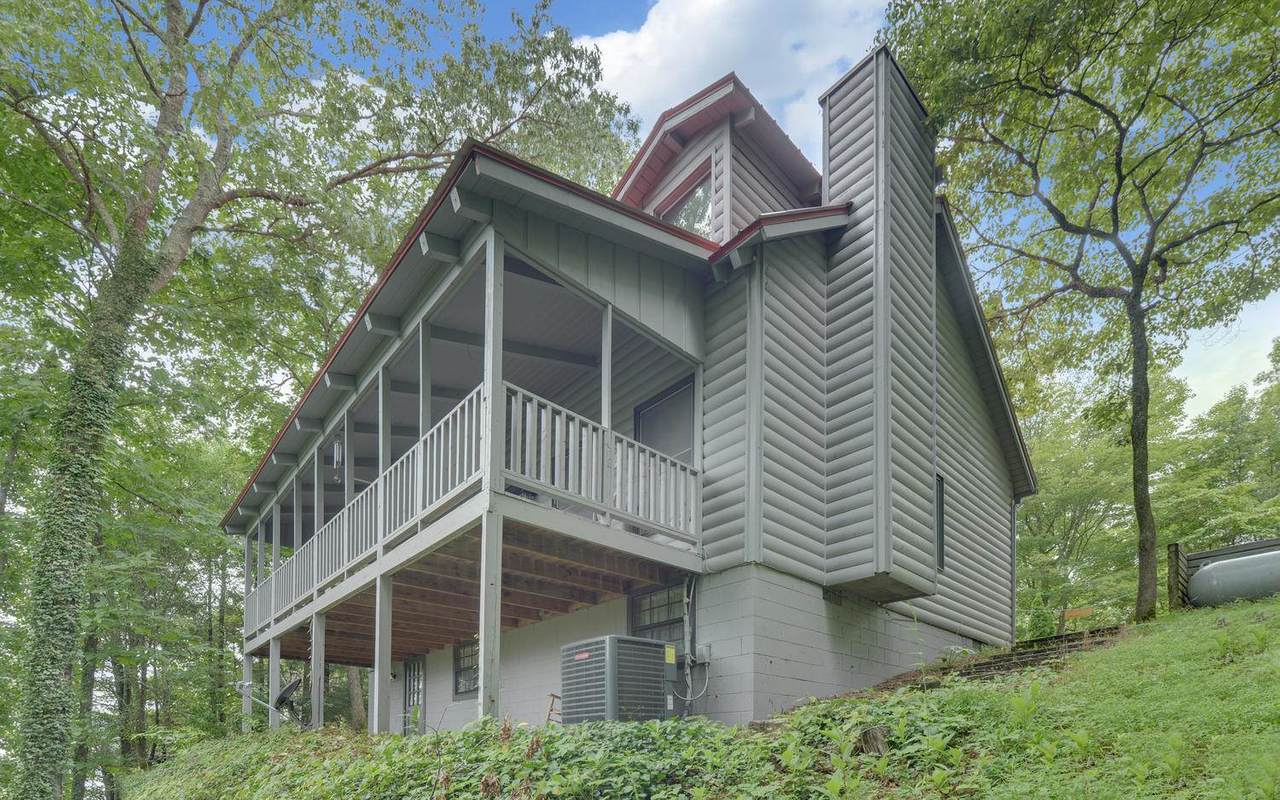 80 Fairview Ave - Photo 1