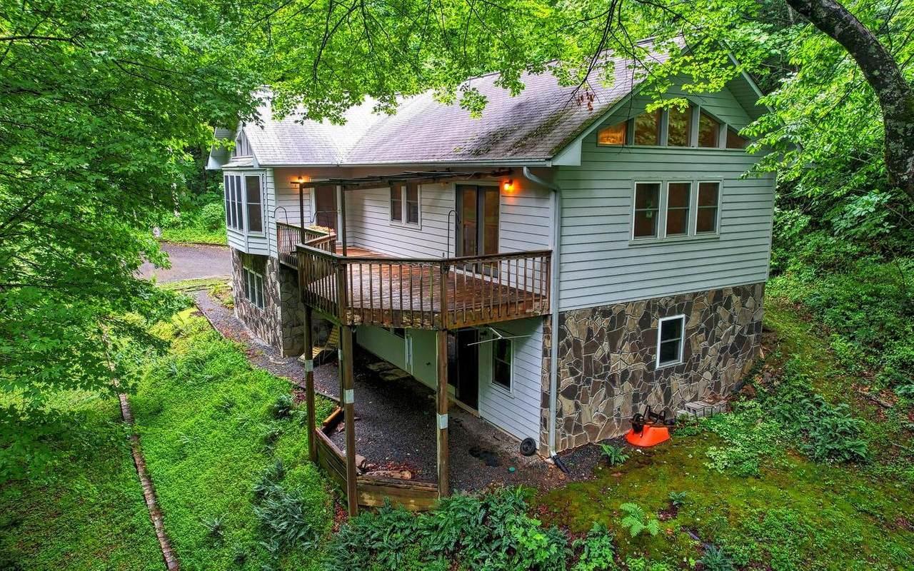 742 Hall Creek Rd - Photo 1