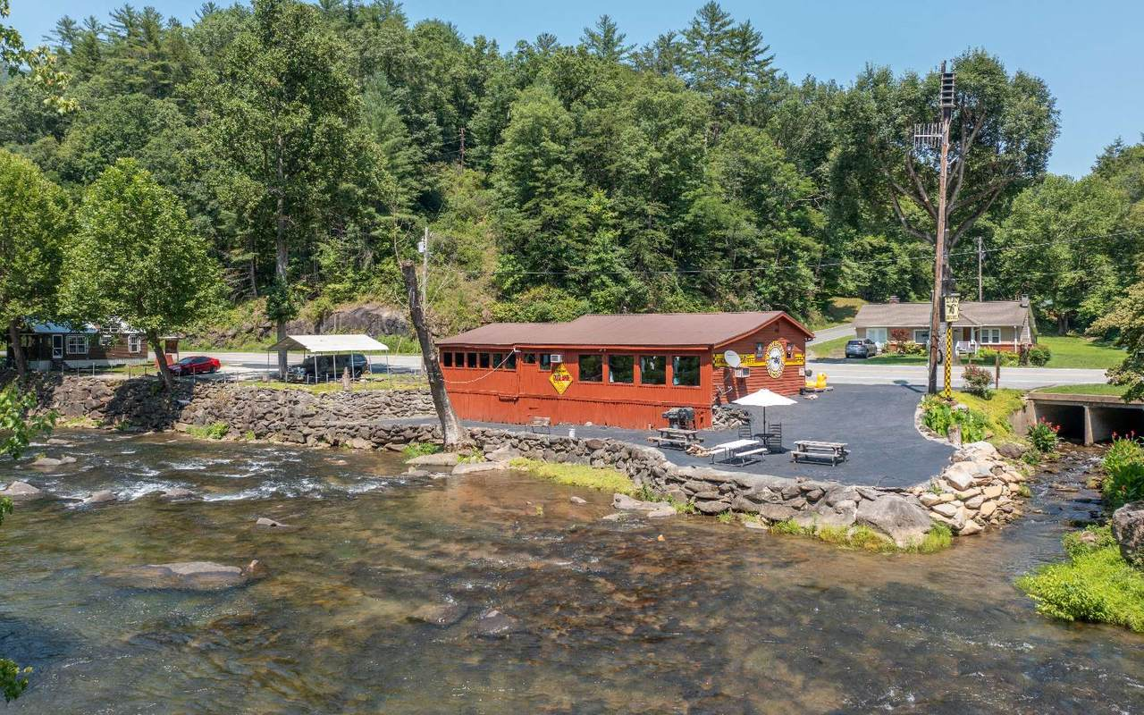 8185 Tapoco Rd - Photo 1