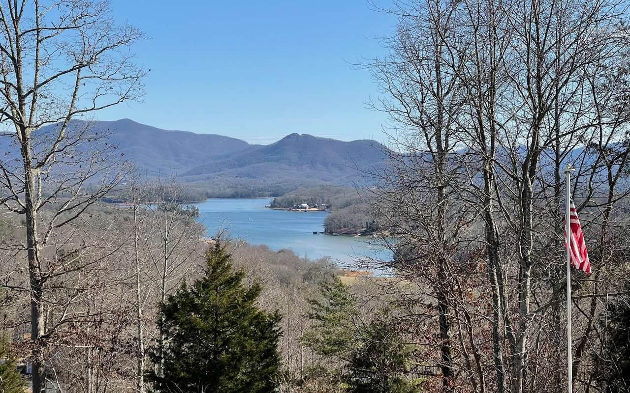 318 Windy Ridge Road - Photo 1