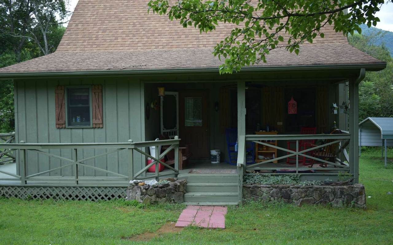 1698 Pine Ridge Road - Photo 1
