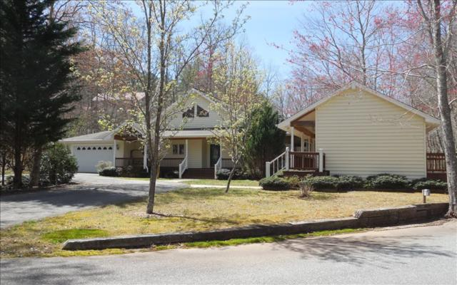 202 Creekmont Drive, Blairsville, GA 30512 (MLS #276477) :: RE/MAX Town & Country